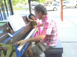 Pop Up Pianos